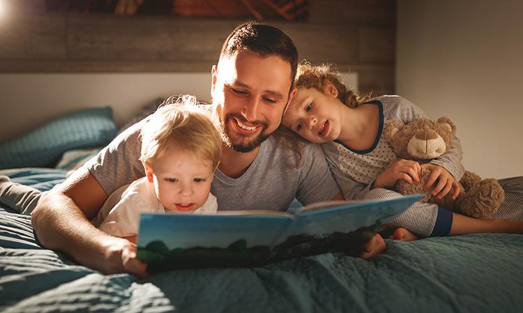 אבא, ספר לי סיפור – יתרונות הקריאה ביחד